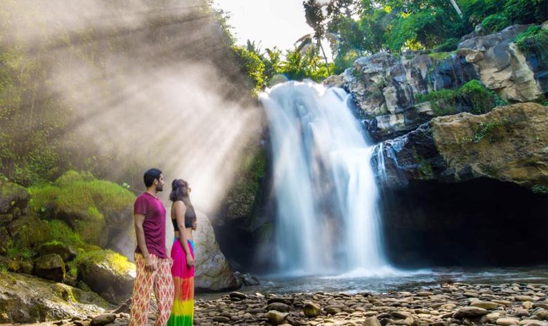 Hasil gambar untuk tegenungan waterfall